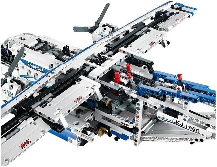 samolot transportowy z lego technic